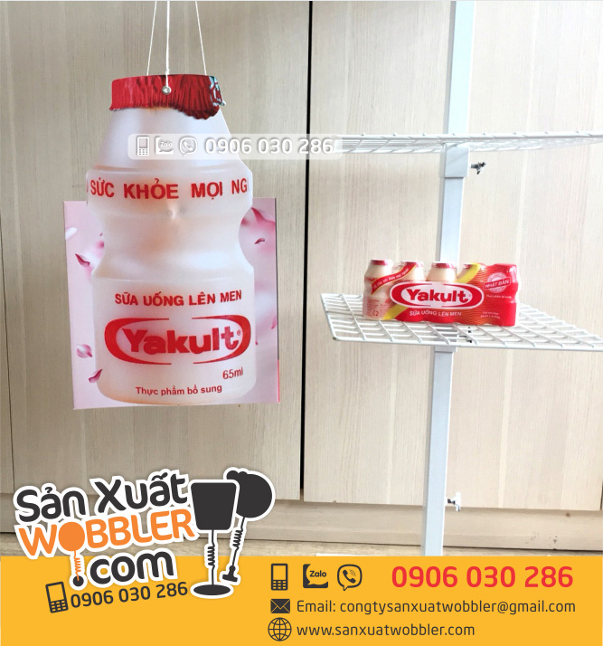 Hanger-treo-quang-cao-yakult